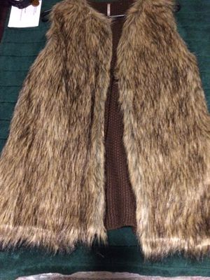 Faux Fur Vest, Designer, w Sweater Back for Sale in St. Louis, MO