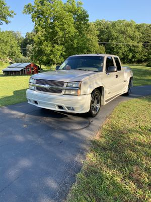 2005 Chevy Silverado (Southern Comfort Package) for Sale in Douglasville, GA