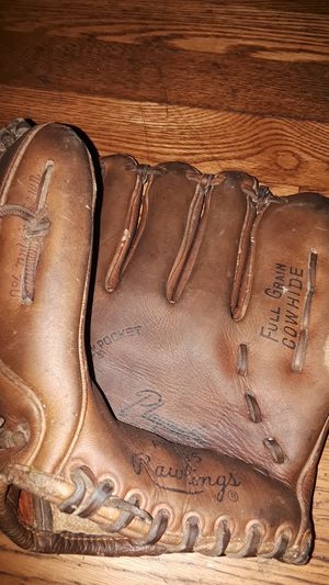 Rawlings Japan glove pm195 for Sale in Cleveland, OH