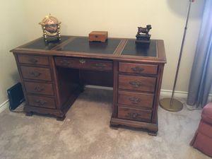 Nice little jasper office desk for Sale in McKinney, TX