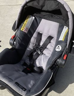 Graco Snugride Click Carrier Carseat for Sale in Purlear,  NC