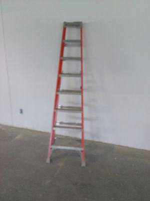 Ladder, louseville, 8ft for Sale in Baltimore, MD