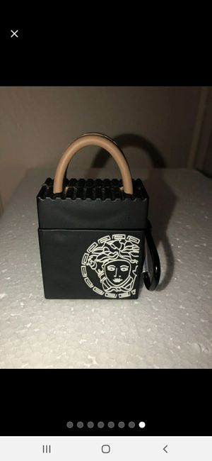 Versace airpods case for Sale in San Diego, CA