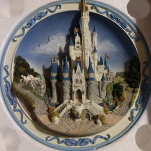 Disney 3D Castle Collectors Plate for Sale in Thornton, CO