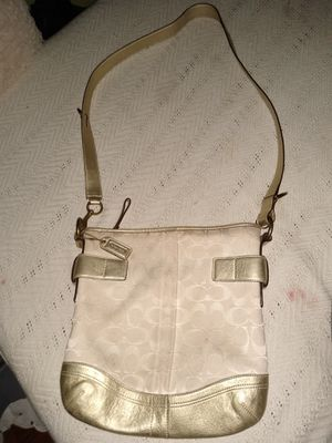 Authentic Coach bag beige and gold for Sale in Los Angeles, CA