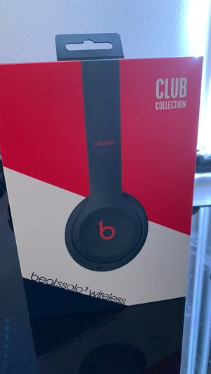 Beats solo 3 navy blue/red/white for Sale in Boca Raton, FL