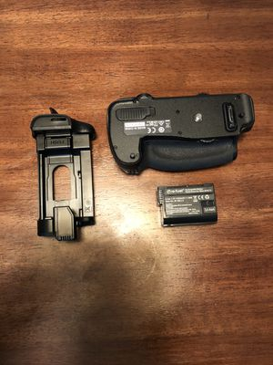 Nikon MB-D16 Camera Grip (For D750) w/ battery for Sale in Akron, OH
