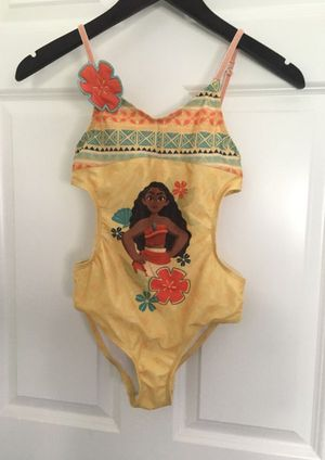 Disney Moana bathing suit size 9/10 (no longer avail to purchase in store) for Sale in Corona, CA