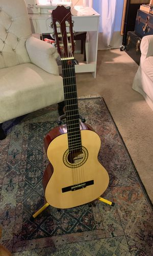 Jay Turser Acoustic Guitar With Stand for Sale in Austin, TX