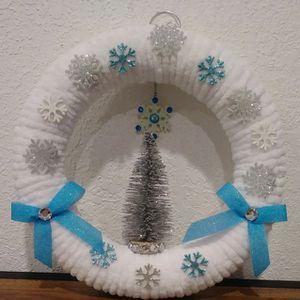 Yarn Wreath for Sale in Boca Raton, FL