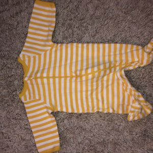 Newborn Size Zip Up Pjs for Sale in Tualatin, OR
