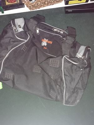 Hooters duffle gym bag for Sale in Tampa, FL