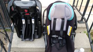 Car seat with base for Sale in Paramount, CA