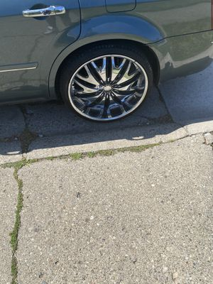 24 inch rims all aired up 900 or best offer for Sale in Detroit, MI