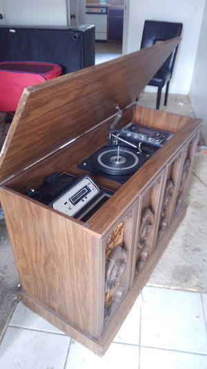 Retro Record Player & 8-track Wooden Chest Stereo System - $200 OBO for Sale in Austin, TX