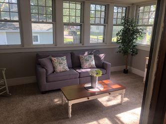 Small Couch/sofa for Sale in Lorain,  OH