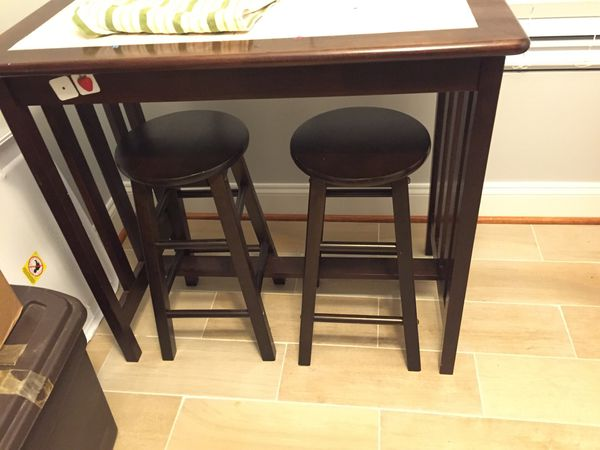 Beautiful wood breakfast bar table with two chairs-used only for short time