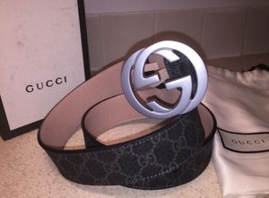 Gucci Interlocking Signature Guccissima Silver Buckle Black Lining Leather Belt Authentic for Sale in Queens, NY