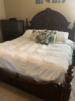 Solid wood (cherrywood) 4 piece bedroom set for Sale in Bakersfield, CA