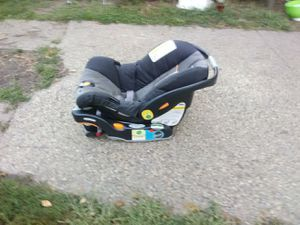 Infant Car Seat for Sale in Des Moines, IA