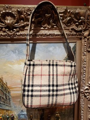 Burberry made in England wool purse bag for Sale in Chicago, IL