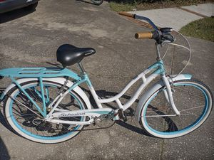 """Schwinn Pointe Beach 7 Speed Cruiser, Like New, with 26"""" tires and light - $120 FIRM for Sale in Wesley Chapel, FL"""