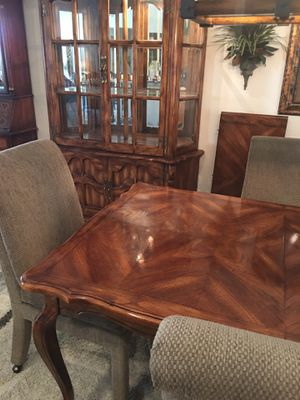 Dinning Room Table, Hutch, and Chairs for Sale in Chandler, AZ