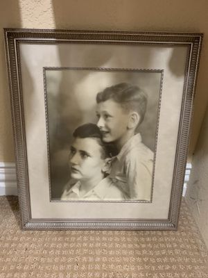 Photo/picture frame 18 by 15.5 gorgeous for Sale in Carrollton, TX
