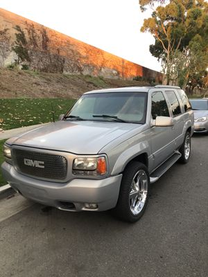 GMC Denali for Sale in Bellflower, CA