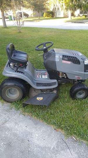 Craftsman riding lawn mower LT 1500 has a 420cc engine will a 42 inch with a cut for Sale in Winter Garden, FL