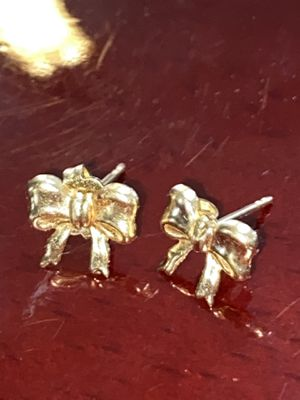 14K YELLOW GOLD GIRLS EARRINGS for Sale in Fresno, CA