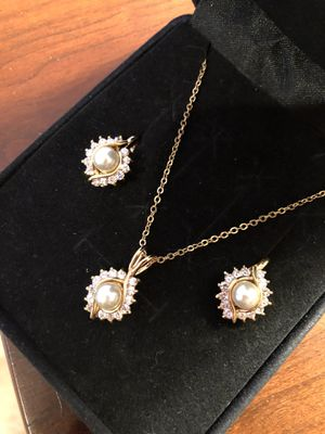 14K HGE Plate Bridal Pearl Diamond Necklace and Earring Set for Sale in Feasterville-Trevose, PA
