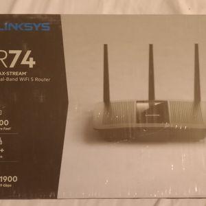 Brinks Maximum Stream Dual Band Wi-Fi Router for Sale in Oxnard, CA