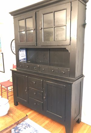 Broyhill farm hutch, interior shelves light up. Great storage for Sale in Grafton, MA