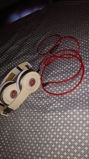 White/Red Solo Beats By. Dre Headphones for Sale in Houston, TX