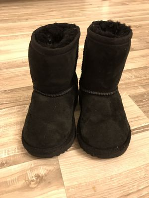 Toddler Girls Size 7 Black UGG Boots for Sale in Wichita, KS