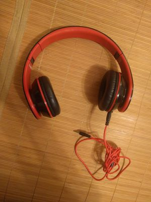 Sentry foldable headphones with mic for Sale in Detroit, MI