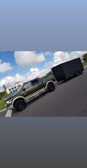 Enclosed trailer looks like new perfecr conditions for Sale in Bay Lake, FL