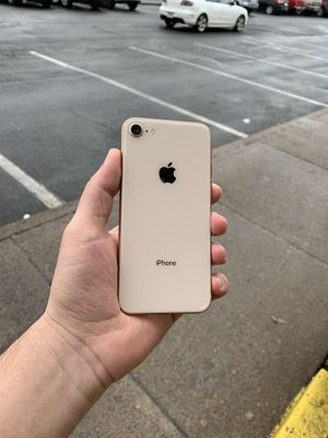 iPhone 8 256 GB unlocked, like new for Sale in Chantilly, VA