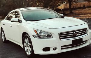 Urgent for sale.. 2011 Nissan Maxima SV , 3.5L V6 FWDWheelss for Sale in Chicago, IL