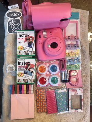 Fujifilm instax Mini 9 Instant Camera Flamingo Pink for Sale in Enterprise, NV