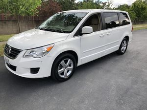 2010 vw Routan se minivan Low Miles for Sale in Concord, CA