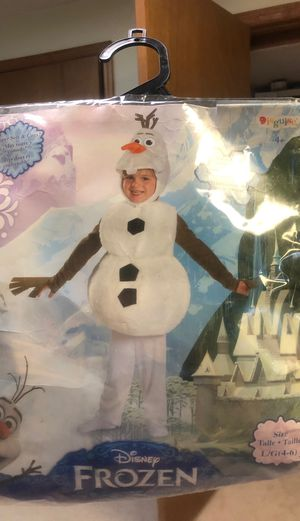 Olaf costume fits size 4-6 for Sale in Columbus, OH