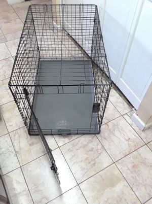 Pet crate large size 36 x 25 x20 inches for Sale in Phoenix, AZ