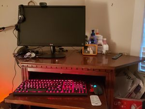 Wooden corner desk for Sale in Georgetown, TX