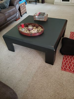 Coffee table and end table for Sale in Royse City, TX