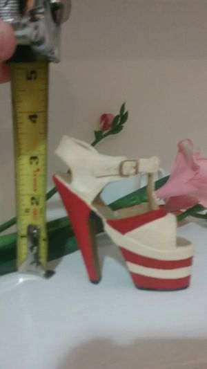 """31/2"""" Red & White Collectible Ceramic Pump for Sale in San Antonio, TX"""