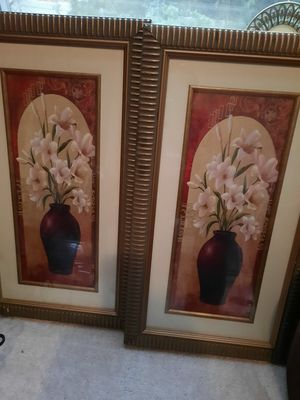 Two pics of beautiful flowers in vases set in beautiful gold frames for Sale in Centreville, VA