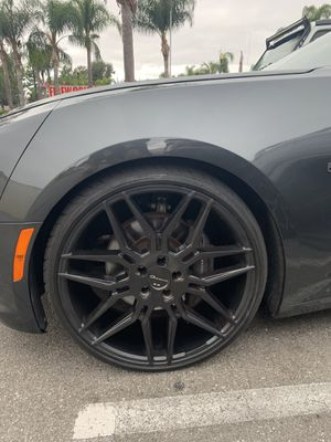 "22"" Giovanna staggered rims for Sale in Santa Ana, CA"