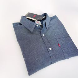 NEW Levi's CLASSIC ONE POCKET SHIRT, Size M for Sale in Bartlett,  IL